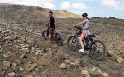 Tour in bici elettrica da Corralejo al vulcano Calderón Hondo e a El Cotillo